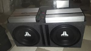 """JL Audio """"12"""" box with JL Audio JX360/4 amp ,Lanzar vibe Pro 2200 watts amp and a Pioneer Touchscreen Dvd/cd Player for Sale in Camden, NJ"""