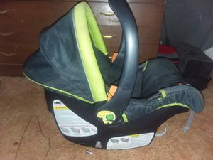 CHICCO car seat for Sale in Brandon, MS