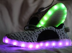 Bright LED shoes (SIZE 7) for Sale in Rosemead, CA
