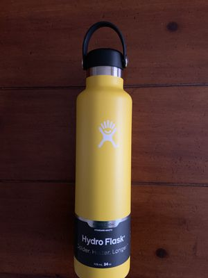 Hydro flask 24oz yellow for Sale in Middleburg, VA