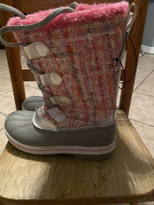 Snow boots for girls kid size 2 for Sale in Compton, CA