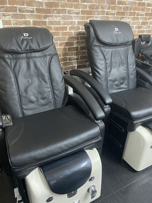 Fiona black pedicure chair/massage for Sale in Chicago, IL