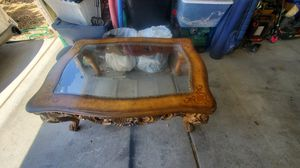 Antique coffee table for Sale in Las Vegas, NV
