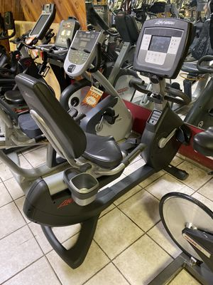 Life Fitness Lifecycle Recumbent Exercise Bike works and looks great! for Sale in Bellflower, CA