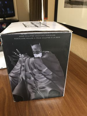 Batman statue a Dave Johnson collection for Sale in Altamonte Springs, FL