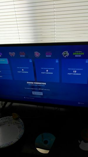 TCL ruko 32 inch smart tv for Sale in Bakersfield, CA
