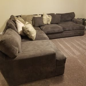 Grey sectional for Sale in Columbia, SC