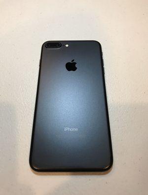 IPhone 7 Plus de 128gb liberado for Sale in Visalia, CA