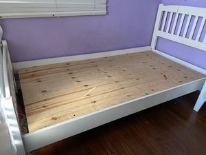 Twin size white bed frame for Sale in Azusa, CA