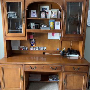 Executive Desk With Hutch Hooker furniture for Sale in Wheaton, IL