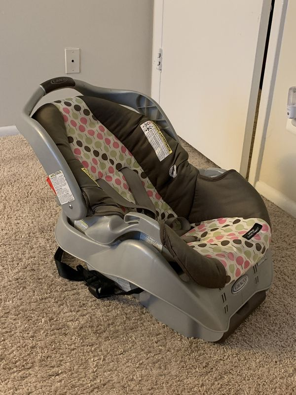 Graco car seat with an option of an additional base