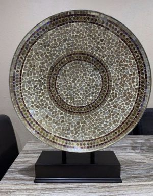 Plate with stand for Sale in Miami, FL