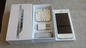 Apple iPhone 5 unlocked 16GB for Sale in Queens, NY