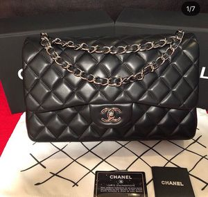 Authentic CHANEL lambskin Medium Double Flap for Sale in Decatur, GA