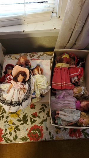 Dolls vintage Collectionables lot for Sale in Sonoma, CA
