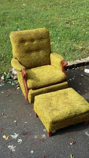 Uglier'n Sin Antique Rocker Chair w/matching Ottoman for Sale in Kingsport, TN