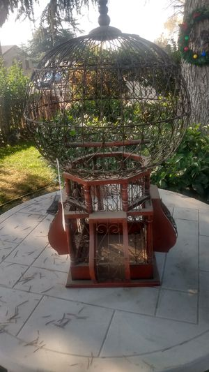 World's Fair Wood & Metal Bird Cage for Sale in Bakersfield, CA