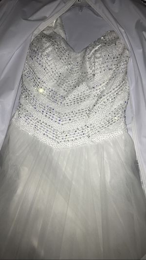 New never used wedding dress with price tag and in original bag. Paid $1,000 for it. Am asking $900 or best offer. Thank you for Sale in Manassas, VA