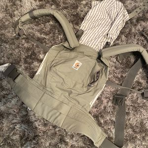 Ergo Baby Carrier for Sale in Tampa, FL