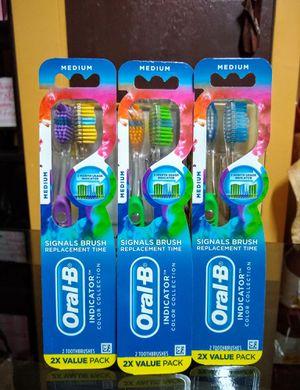 Cepillo Oral-b 3 por $10 for Sale in Gardena, CA