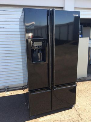 Samsung fresh door 4 doors refrigerator, in good condition everything works very well, one month warranty, delivery available W36-D33-D69 for Sale in Tempe, AZ