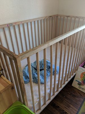 Baby crib for Sale in St. Louis, MO