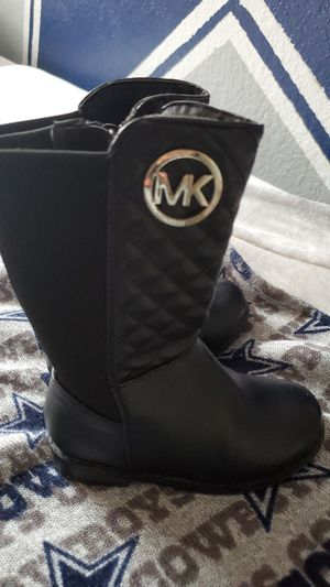 MK toddler girl boots for Sale in Fort Worth, TX