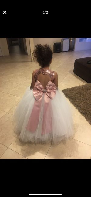FLOWER GIRL DRESS Fits a 7 years old for Sale in San Diego, CA