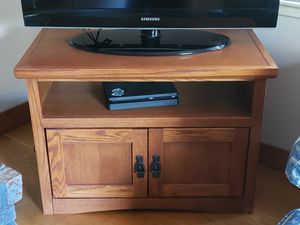 Solid Oak TV Stand for Sale in Redwood City, CA