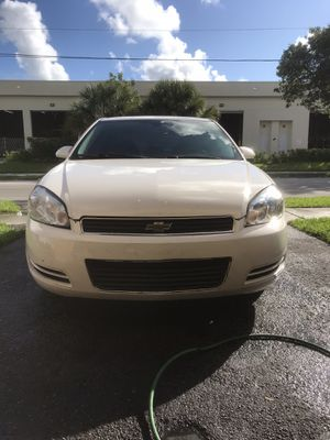 2009 Chevy impala for Sale in Pompano Beach, FL