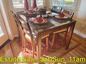 4 Chair Pub-Style Dining Table. Great Shape. Estate Sale. Sat 11am - $499 for Sale in Fresno, CA