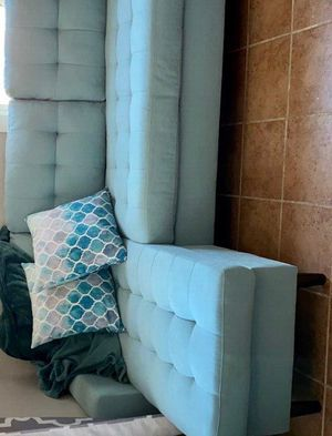 Kingdom Teal Reversible Sofa Chaise $499 for Sale in Houston, TX