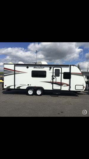 2013 travel trailer 24' for Sale in Graham, WA
