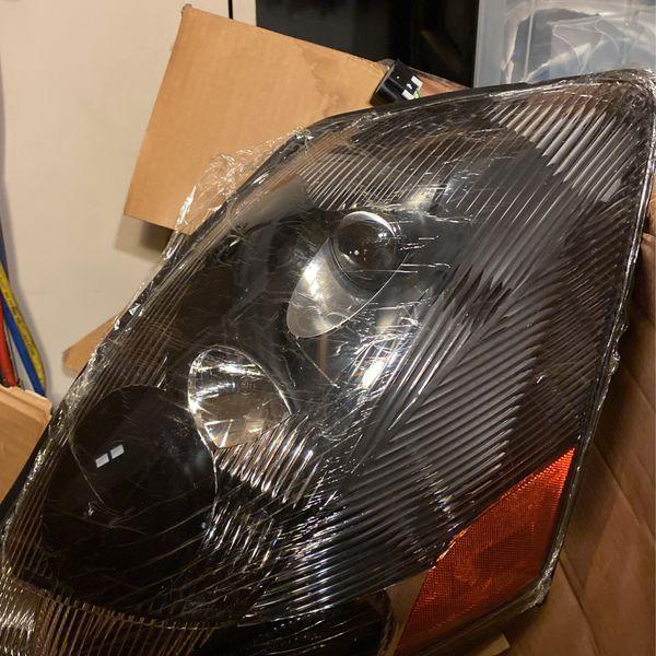 2009/2018 Volvo Tractor Head Lights Pair New