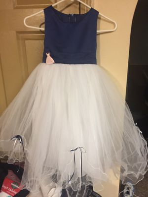 Beautiful girls flower dress for Sale in Columbus, OH