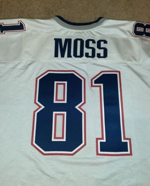 Price Drop- Patriots #81 Randy Moss Jersey for Sale in Westmont, IL