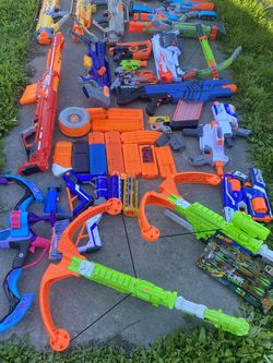 Massive Nerf Lot 23 Guns & More Rare Guns Vintage for Sale in Lathrop,  CA