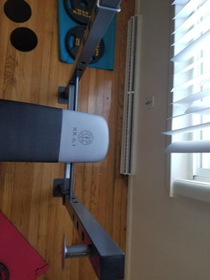 Golds gym adjustable weight bench for Sale in Norfolk, VA
