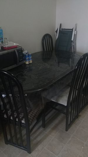 Kitchen table for Sale in Lincoln Acres, CA