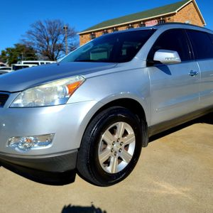 2012 CHEVROLET TRAVERSE **3RD ROW , CLEAN TITLE ** for Sale in Dallas, TX
