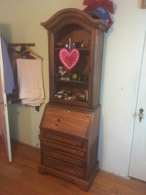 Hutch with sound system - One of a kind! for Sale in Fresno, CA