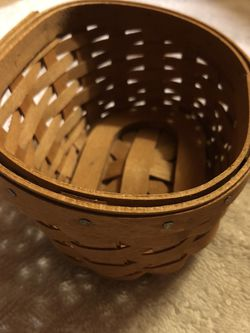 2006 Longaberger Basket Small for Sale in Northampton,  PA