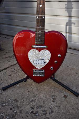 Daisy Rock Heartbreaker Electric Guitar, short scale for Sale in Chicago, IL