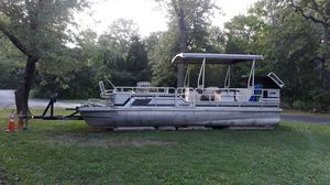 24' PONTOON BOAT for Sale in St. Charles, IL