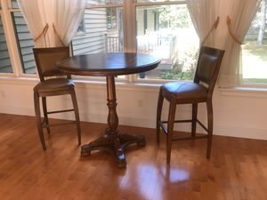 BAR TABLE for Sale in OSBORNVILLE, NJ