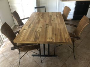 Kitchen table & chairs for Sale in Fort Lauderdale, FL
