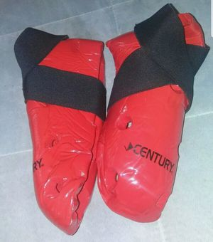 Century Martial Arts Student Sparring Hi-Top Boots Red Size 3/4 for Sale in Marietta, GA