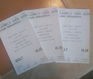3 Luke Bryan tickets for Sale in Indianapolis, IN