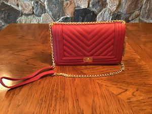 Red Crossbody Purse Gold Chain Strap for Sale in Flat Rock, MI