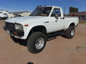 1982 Toyota pickup 4x4 for Sale in Hesperia, CA